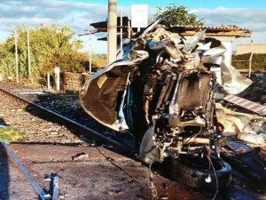 Incidente stradale: morte due donne militari. Auto capovolta e accartocciata